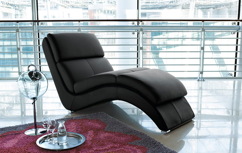 Chaise longue in pelle
