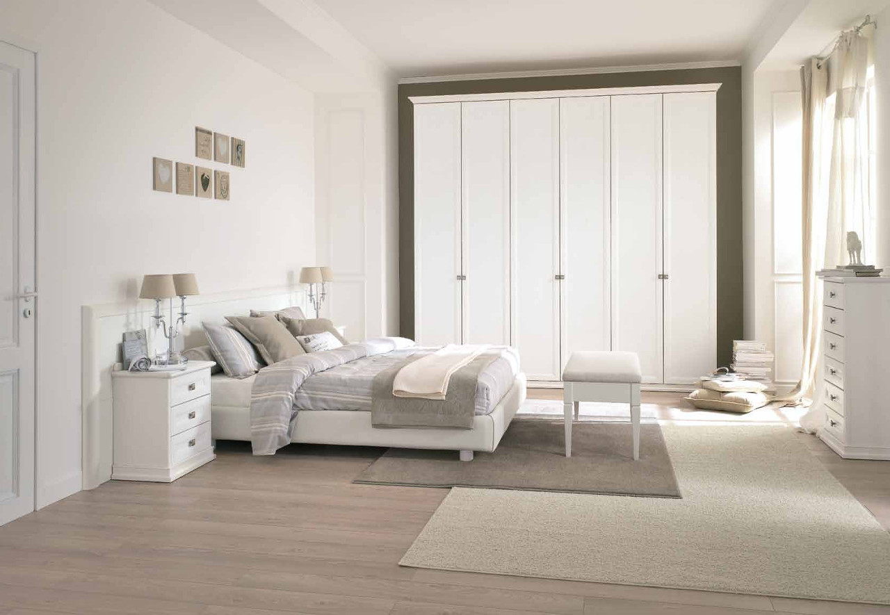 Galleria camere da letto classiche outlet arreda for Accessori per arredare camera da letto